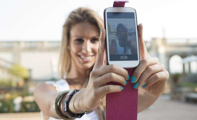 Maquiadora dá dicas para 'selfie' perfeito; veja