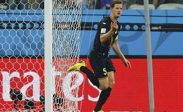 Com expulsão e reservas, Bélgica bate Coreia e passa em 1º