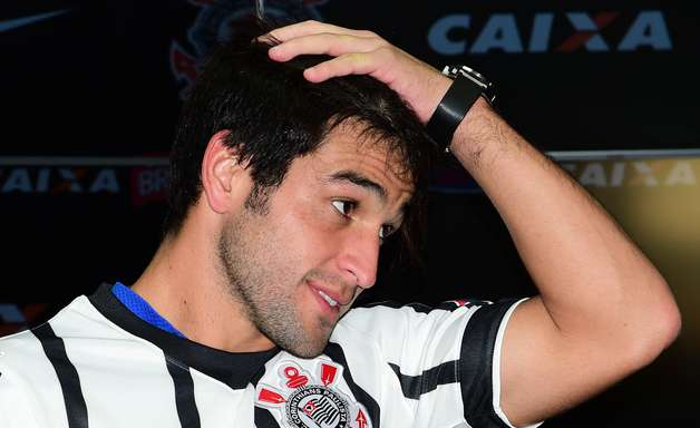 Boca mantém esperança de tirar meia Lodeiro do Corinthians