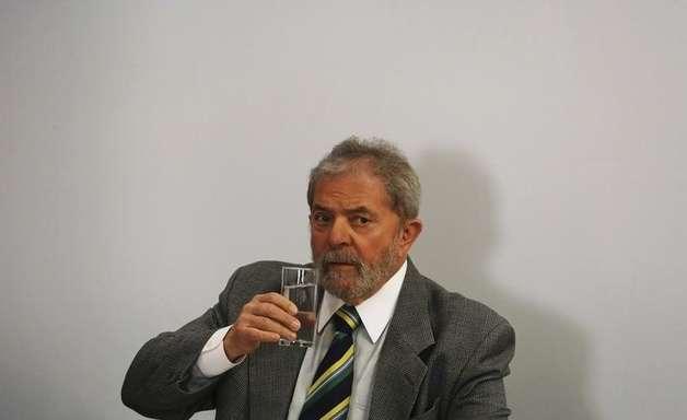 PF tenta ouvir Lula sobre mensalão há 7 meses