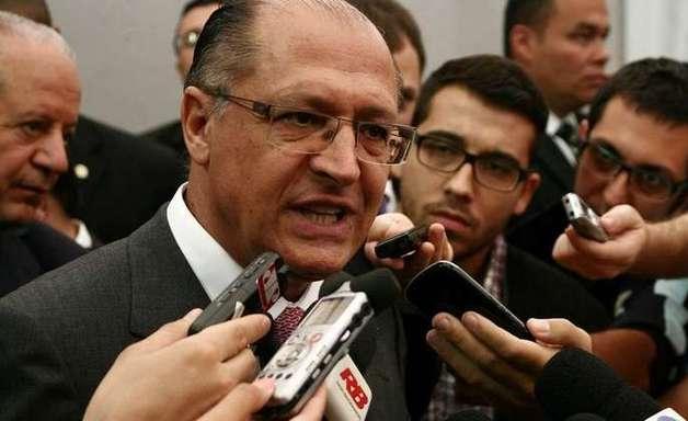 Em SP, boca de urna mostra vitória de Alckmin no 1º turno