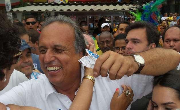 """Pezão anda na Baixada em último dia: """"quero ser 2º prefeito"""""""