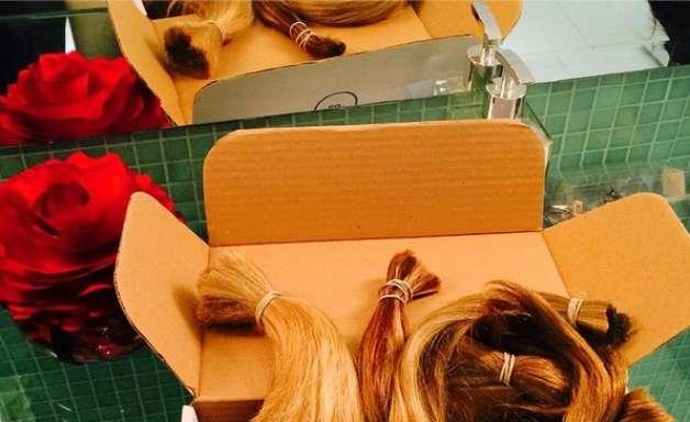 Marina R. Barbosa e famosas doam cabelos para ONG's