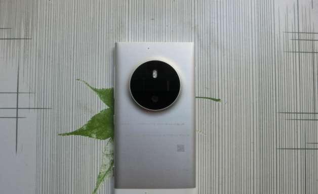 Fotos mostram possível substituto do smartphone Lumia 1020