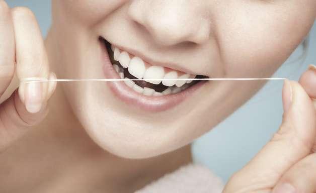 ¿Sabes cómo se usa correctamente el hilo dental?