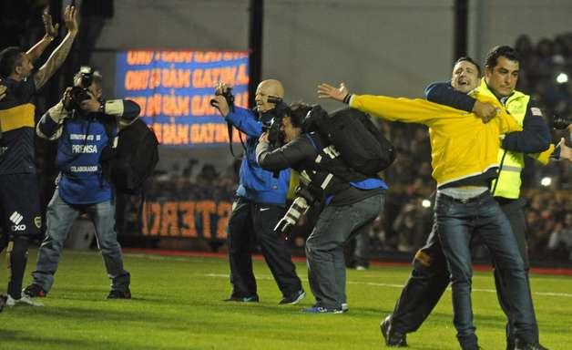Torcedores do Boca furtam alimentos em festa para Tevez