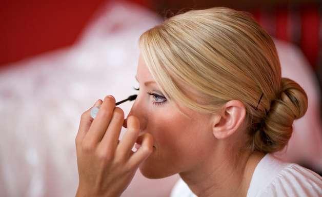 Confira detalhes da maquiagem para noivas