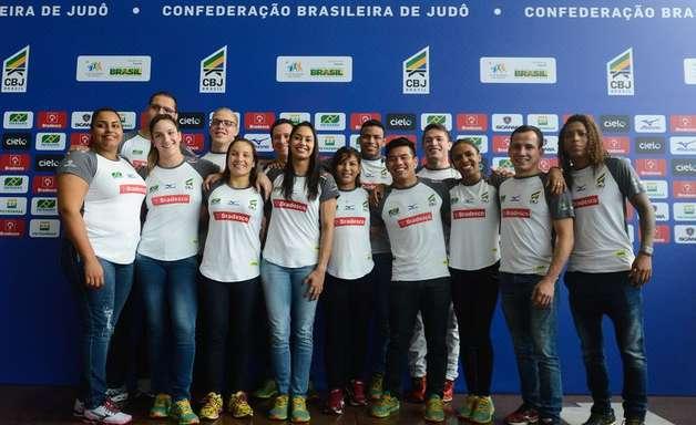 Com 14 atletas, equipe olímpica de judô é apresentada no Rio