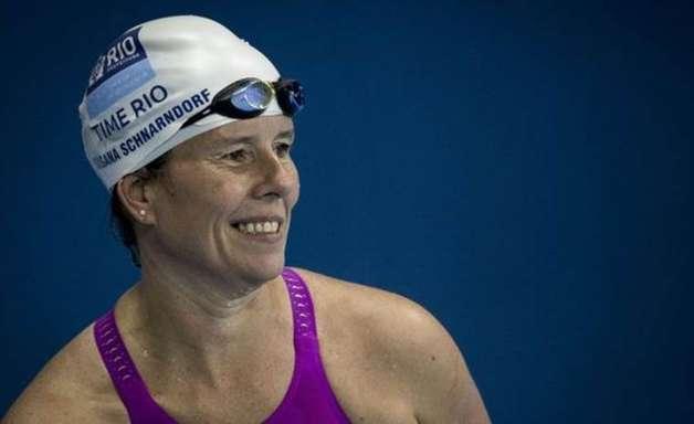 'Meu corpo está parando': nadadora luta contra avanço de doença rara para competir na Rio 2016