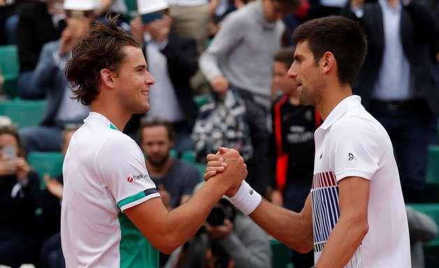 Thiem arrasa Djokovic e pega Nadal na semi de Roland Garros