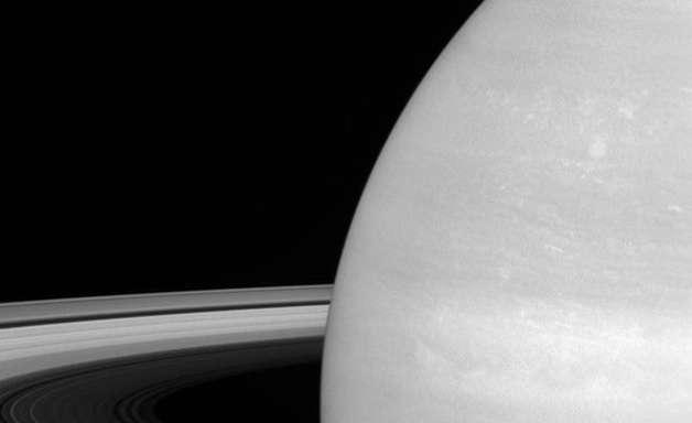 Anéis de Saturno podem ser bem mais jovens do que se imaginava
