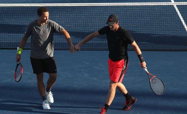 Soares e Murray jogam mal e dão adeus ao sonho do bi nos EUA