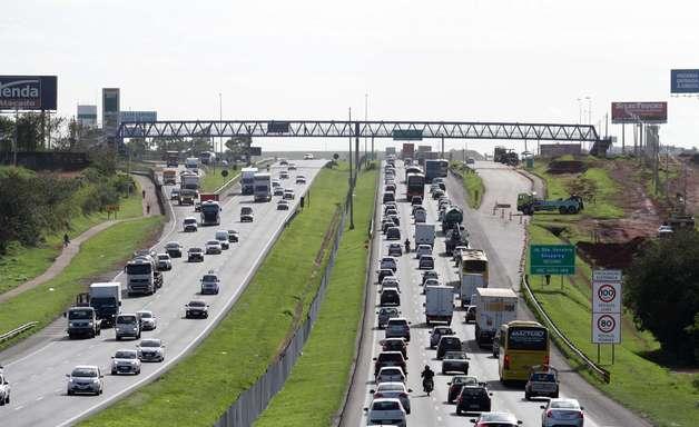 Veja os esquemas nas estradas do Rio e de SP no feriadão