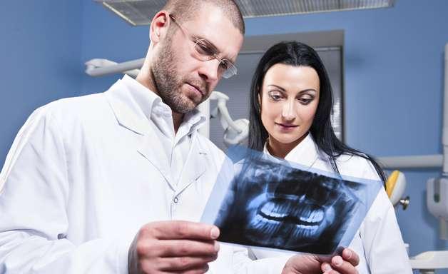 Dientes supernumerarios, una curiosa anomalía bucal