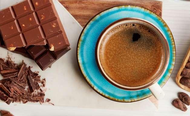 No debo tomar café después de un blanqueamiento dental. ¿Mito o verdad?
