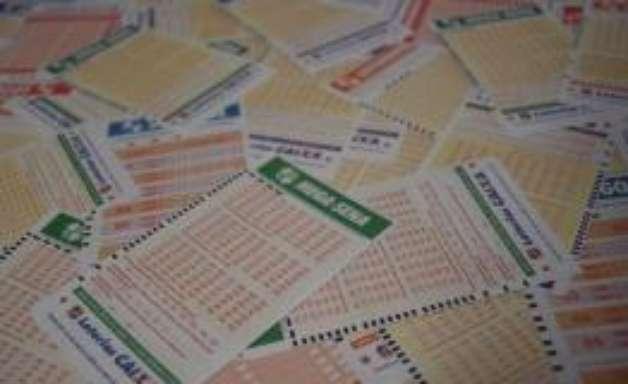 Mega-Sena: sorteio acumula e pode pagar R$ 55 milhões