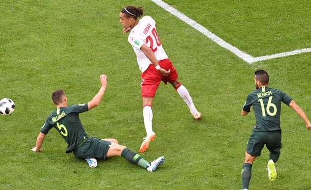 Dinamarca e Austrália empatam com golaço de Eriksen e VAR