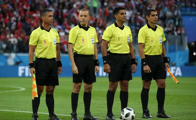 Egito reclamará à Fifa por arbitragem de jogo contra Rússia