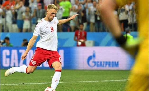 Atacante dinamarquês é ameaçado após perder pênalti na Copa