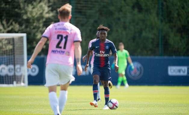 Na estreia de Buffon, PSG perde amistoso para time da terceira divisão francesa