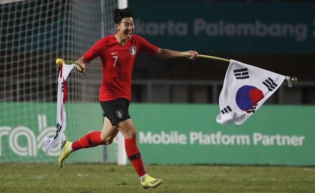 Coreia fatura Jogos Asiáticos e livra Son do serviço militar