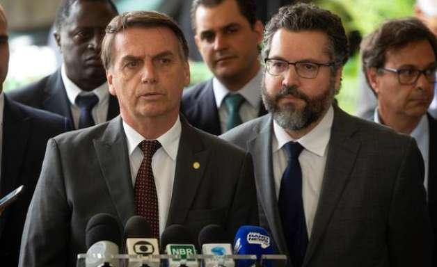 """Brasil declara diplomatas de Maduro """"personae non gratae"""""""