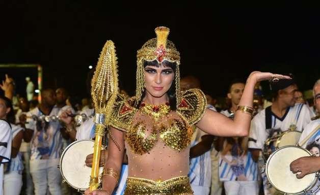 50 fantasias das famosas como inspiração para o Carnaval