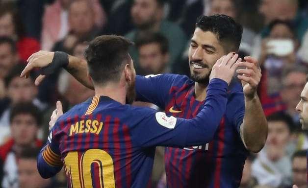 Suárez decide e leva Barcelona à final da Copa do Rei