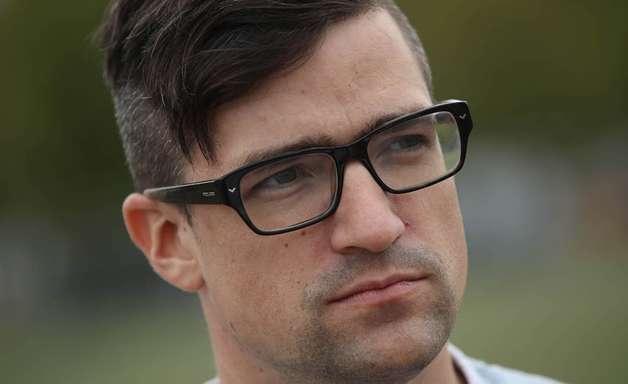 Quem é Martin Sellner, estrela da extrema-direita da Áustria suspeito de ligação com responsável por massacre na Nova Zelândia