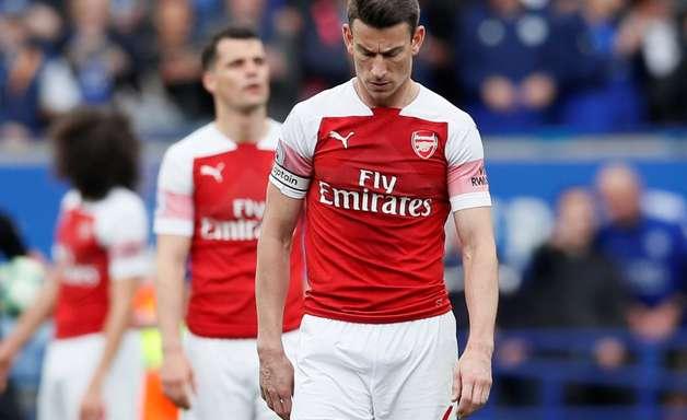 Leicester domina Arsenal e vence duelo por Campeonato Inglês