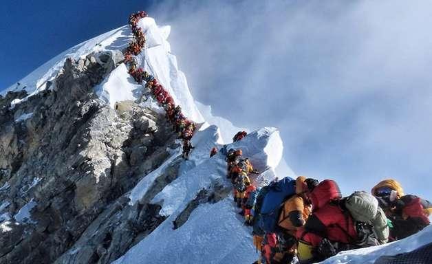 Mais quatro alpinistas morrem no Monte Everest