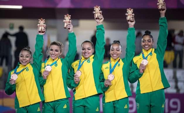 Sem Jade, Brasil fatura bronze por equipe e vai a 7 finais