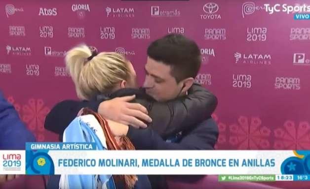 Após bronze, ginasta pede namorada em casamento; assista