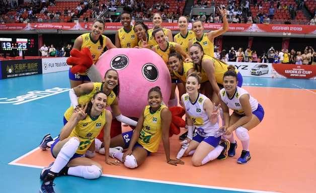 Técnico do Brasil lamenta altos e baixos durante Copa do Mundo de vôlei