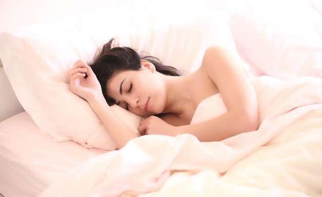O que significa sonhar com dentes caindo? Listamos motivos