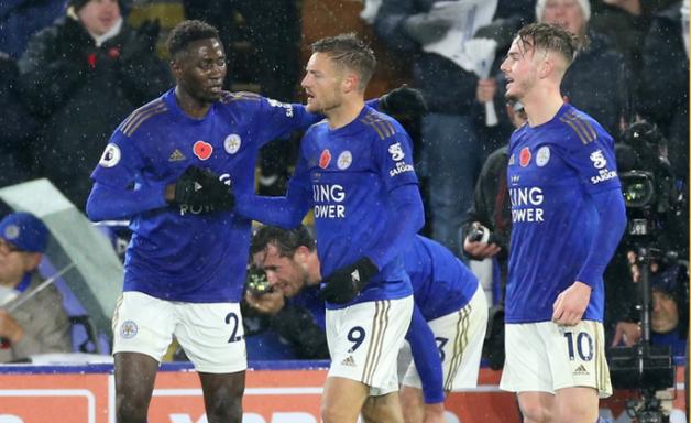 Leicester vence Arsenal e dorme na vice-liderança do Inglês