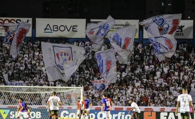 Paraná e São Bento fazem duelo decisivo por objetivos diferentes