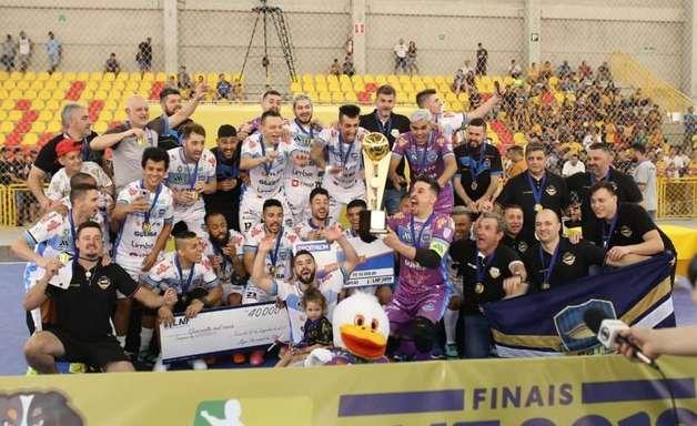 Pato atropela Sorocaba e conquista bicampeonato da Liga Futsal
