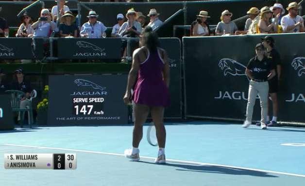 TÊNIS: WTA Auckland: Serena vence Anisimova (6-1,6-1) e vai para a final