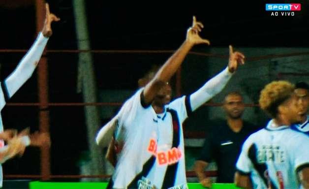 Vasco bate Itapirense e se classifica em primeiro na Copinha