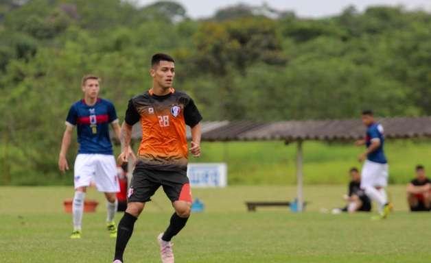 De volta ao time titular do Joinville, Danilo prega foco contra o Mirassol na Copinha