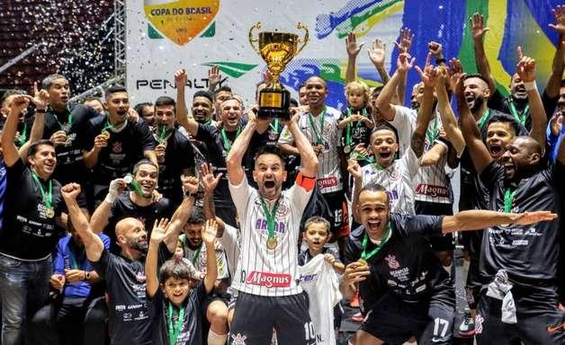 O modelo de clube-empresa pode ser prejudicial no Brasil; entenda!