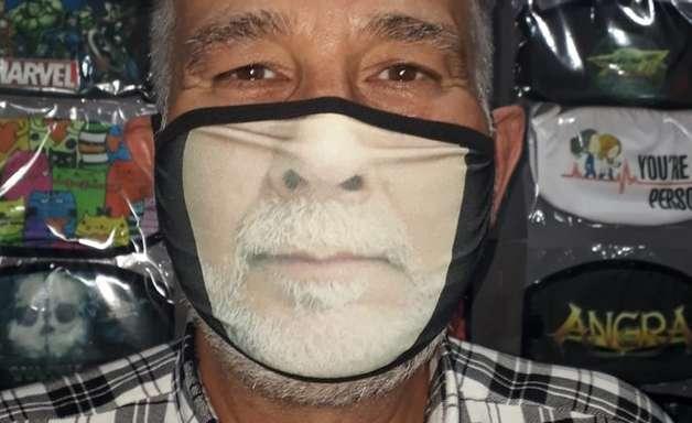 Máscaras com sorriso humanizam equipamentos de segurança