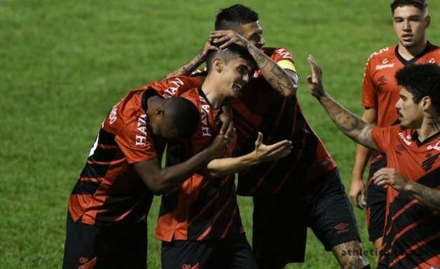Athletico-PR recebe Londrina precisando vencer para avançar no Estadual