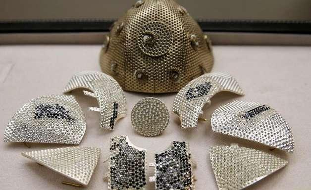 Máscara mais cara do mundo custa R$ 8 milhões. Veja por quê!