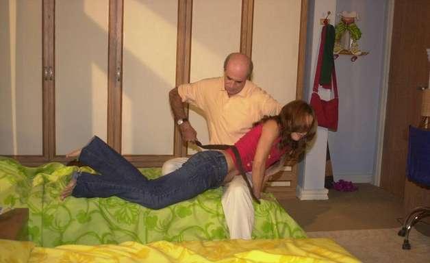 Mulheres Apaixonadas: Caruso machucou atriz em cena do cinto