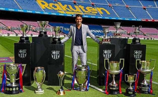 Suárez explica saída e chora em adeus ao Barcelona: 'Sonho que virou realidade'