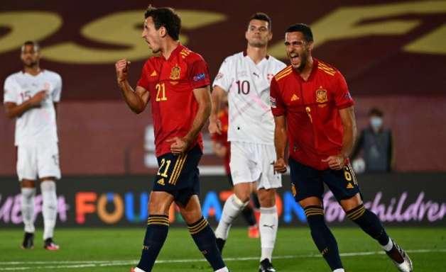 Espanha derrota Suíça e garante liderança do grupo