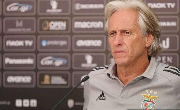 Eliminado da Liga dos Campeões por atual técnico do Palmeiras, Jorge Jesus vive má fase no Benfica