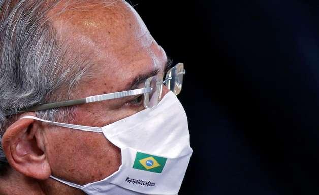 Eleitor no Rio, Guedes fica em Brasília em dia de 2º turno